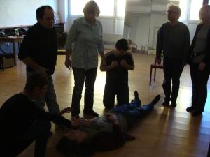 Das Theaterensemble bei der Probe