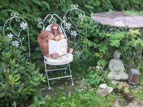Familie Knuschel in Peter Heissenbergers Garten